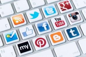 Când e cel mai bine să postezi în Social Media – Infografic