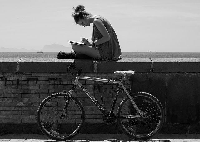 Încerc să arăt lumii că tinerii citesc. Mă ajuți?