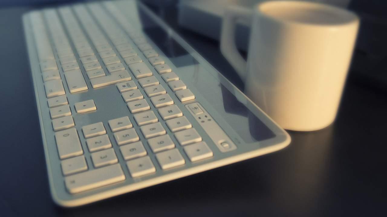 Blogul mă leagă de online și-mi place