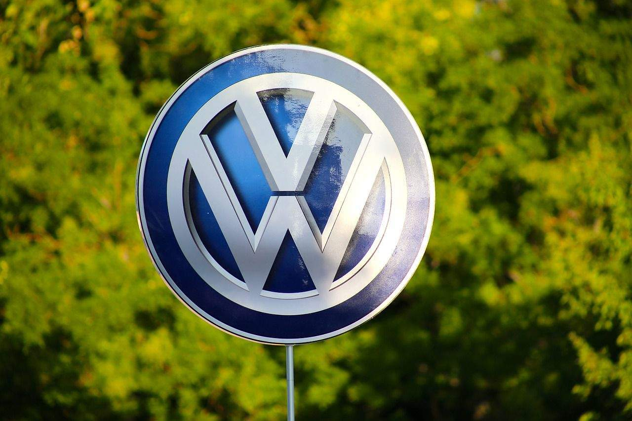 Nu numai TNR face ironii la adresa VW