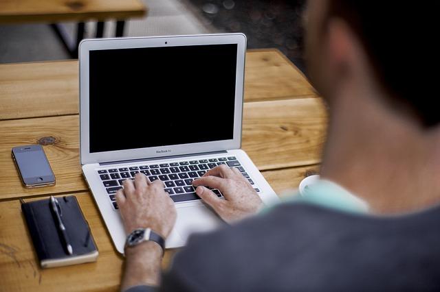 4 tehnici SEO care te ajută să câștigi poziții în Google