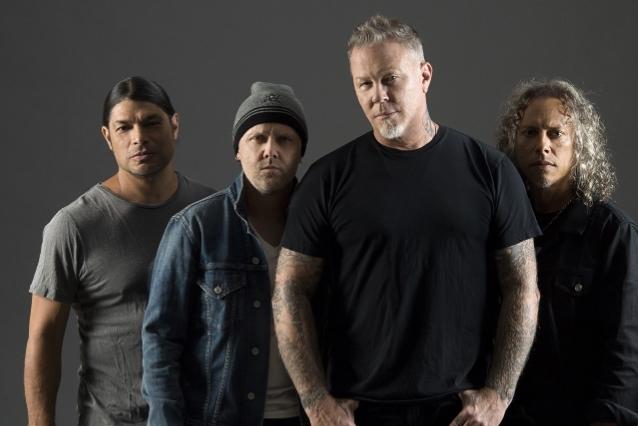 Metallica a donat 250.000 de euro pentru un spital din România